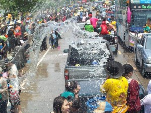 Тайский новый год Сонгкран Thailand Phuket Songkran