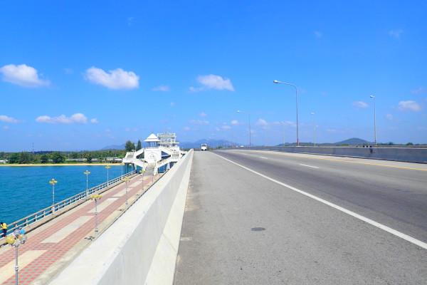 мост Сарасин на Пхукете