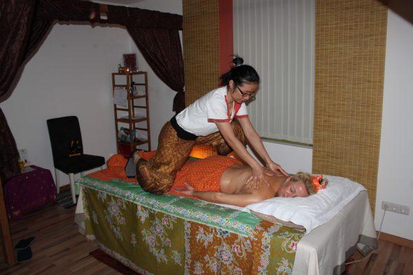 massage-2096580_960_720