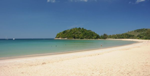 phuket-thailandia-layan-3-980x500