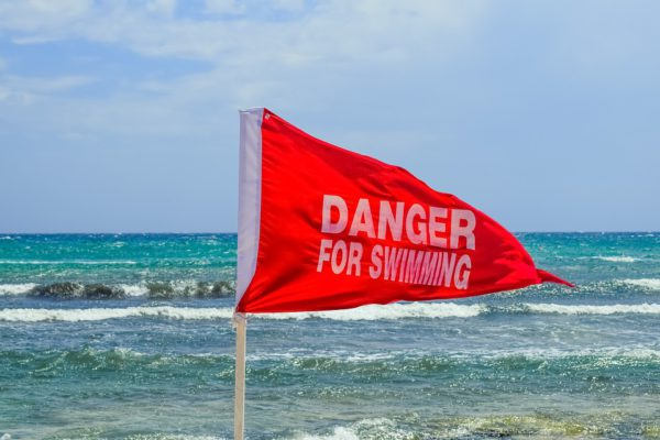 red-flag-2331047_960_720